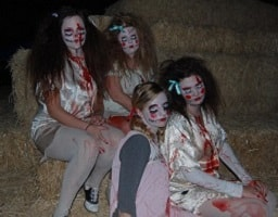 Creepy Girls in Make Up and Scary Outfits